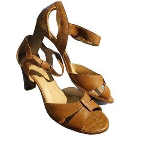 Fioni | Open-toe chunky Sandal heel